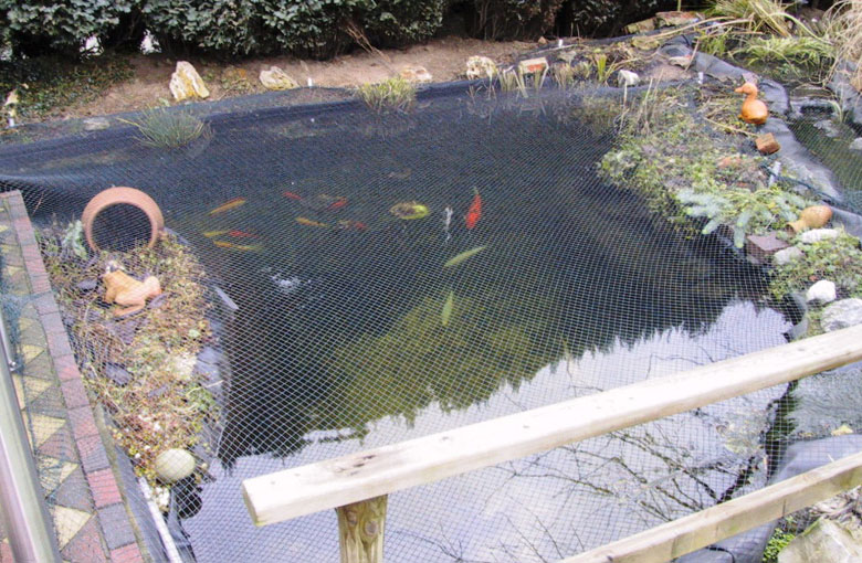 Garden pond cover nets